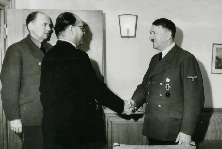 meet with hitler-stayreading