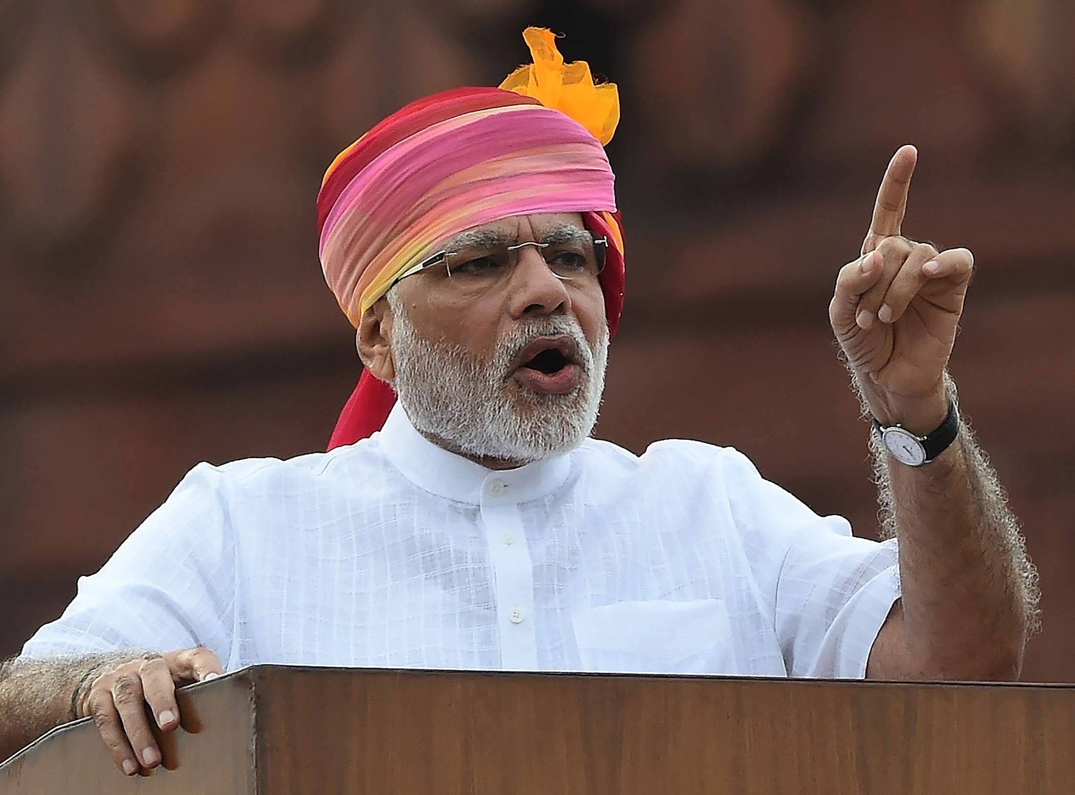 Indian Prime Minister Narendra Modi gestures as he delivers his Independence Day speech from The Red Fort in New Delhi on August 15, 2016. / AFP / PRAKASH SINGH (Photo credit should read PRAKASH SINGH/AFP/Getty Images)