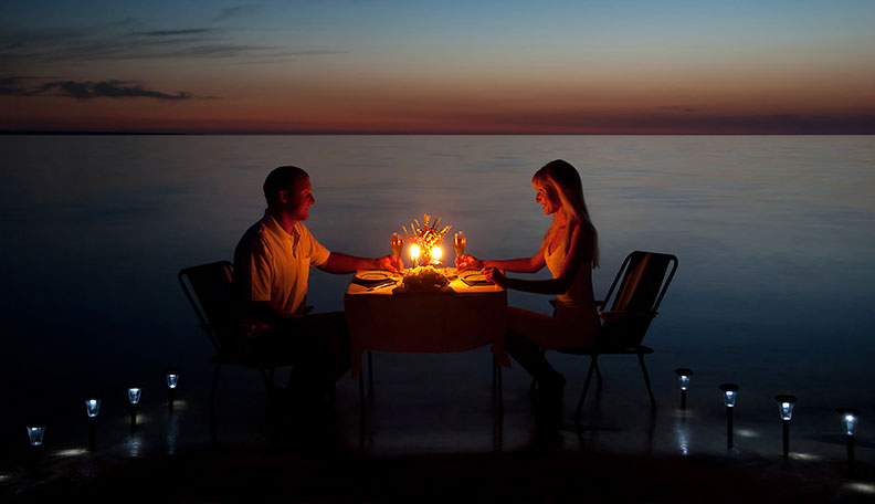candle light dinner rose day-stayreading
